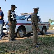 ตำรวจเร่งล่าตัวโจ๋บุรีรัมย์ ยกพวกเปิดศึกกลางถนน มีดปืนระเบิดพร้อม