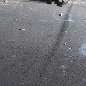 หนุ่มพ่อค้าลอตเตอรี่เอาปืน.380 รัวยิงผู้ช่วยผุ้ใหญ่ดับกลางถนนหมู่บ้านก่อนติดต่อเข้ามอบตัว เผยปมสังหารแค้นที่พาตำรวจมาจับ