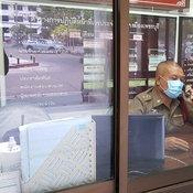 ป่วนทั้งโรงพัก สั่งกักตัวตำรวจ สภ.เมืองเพชรบุรี 35 นาย หลังพบ รองผู้กำกับติดโควิด