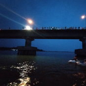 1-กาฬสินธุ์หนุ่มถ่ายภาพคู่ลูกสาวผลัดตกสะพานเทพสุดาข้ามเขื่อนลำปาวจมหาย