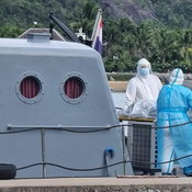 แรงงานเมียนมาติดโควิด บ่นเจ็บหน้าอกขอไปนอนพัก สุดท้ายดับบนเรือประมง