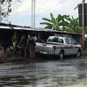 สาวโวยลุงเก็บป้ายทะเบียนรถที่หลุดตอนน้ำท่วมเรียกค่าเก็บแผ่นละ 100 บาท