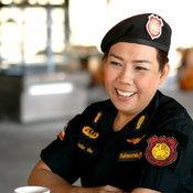 ราชบุรี - เปิดใจผู้คุมเรือนจำกลางราชบุรี หลังชาวเน็ตแห่แชร์ ขณะที่นั่งอุ้มทารก 1 เดือนใน รพ
