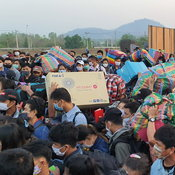 ตาก - ผู้ว่าพม่าประสานไทยขอเปิดด่านระบายคนตกค้างกลับประเทศ