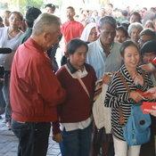 เจ้าสัวเมืองอุดรแจกอั้งเปา 2ล้านบาทให้ ประชาชนและคนจนในวันตรุษจีน