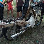 ผวา โจรดมกาวตระเวนขโมยจักรยานยนต์ไปโยนทิ้งน้ำ ชาวบ้านวอนเจ้าหน้าที่ช่วยจับด่วน