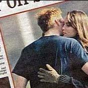 เจ้่าชายวิลเี่ลี่ยม เคท มิดเดิลตัน บนหนังสือพิมพ์แทบลอยด์ของอังกฤษ