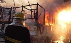 สุดสลด ไฟไหม้กุฏิไม้สักวัดดังวอด 20 หลัง เพลิงคลอกพระมรณภาพ 2 รูป