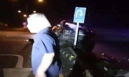 แชร์สนั่น ลุงเมาหนักขับกระบะชนเสาไฟ กู้ภัยไปช่วยโดนด่าแหลก