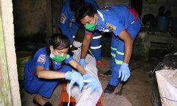 ดับสลด 2 ศพคาบ้าน แม่นอนจมกองเลือด ลูกชายผูกคอตาย