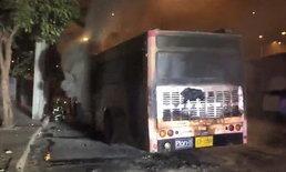 ผู้โดยสารวิ่งหนีตายวุ่น ไฟไหม้รถเมล์ ปอ.510 กลางถนนวิภาวดีฯ