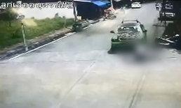 นาทีโหด หนุ่มใหญ่ขับรถชนลูกจ้างขยี้ทับซ้ำ แค้นถูกแอบตีท้ายครัว