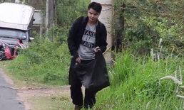 """ทำเพื่อเด็กๆ """"ครูโต้ง"""" เดินเท้าเก็บขยะ ระดมทุนช่วย รร.ชายแดนไทย-ลาว"""