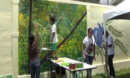 สุดทึ่ง ศิลปินน้อย 7 ขวบวาดภาพบนกำแพง เคยขายผลงานได้หมื่นกว่าบาท
