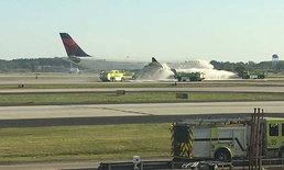 เครื่องบินเดลต้าแอร์ไลน์ ต้องลงจอดฉุกเฉิน หลังไฟไหม้เครื่องยนต์
