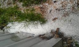 พายุลมแรง ลูกเห็บถล่มดอยอินทนนท์-ดอยเต่า ขาวโพลนทั้งพื้นที่