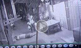 เผยคลิปนาทีสะเทือนขวัญ ลุงสุดทนถูกหนุ่มรังแกนานนับปี คว้าปืนยิงดับ