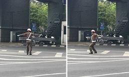 ขอเวลาตามหาตัว ตำรวจยืนเต้นโบกรถกลางแยก ชี้ทำผิดวินัย