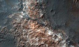"""ฮือฮา ค้นพบ """"ทะเลสาบ"""" ใต้ผืนน้ำแข็งบนดาวอังคาร"""