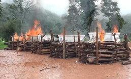 เผา 8 ศพ เหยื่อโคลนถล่มบ้านห้วยขาบ จ.น่าน