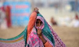 """หญิงอินเดียเกรี้ยวกราด โดนผัวจับได้ขณะ """"เล่นชู้"""" เลยกัด """"นกเขา"""" ผัวขาด แล้วหนี"""