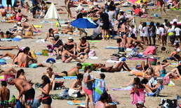 """ยุโรปเจอ """"คลื่นความร้อน"""" เข้มข้น คาดอุณหภูมิทำลายสถิติ ทะลุ 48 องศา"""