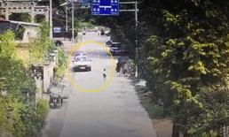 น่าประทับใจ ตำรวจจีนเจอเด็ก 5 ขวบเดินคนเดียว เป็นห่วงเลยขับรถคุ้มกันจนถึงบ้าน