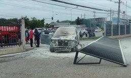 ชนวินาศซ้ำซ้อน 7 คัน สิบล้อตัดหน้ารถพ่วง หักหลบกระบะชนรถตู้ไฟลุก