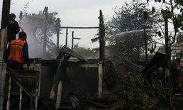 สลด เสียงร้องขอให้ช่วยดังจากในบ้าน ไฟโหมคลอกร่างทรงแม่เฒ่า เหลือแต่ตอตะโก