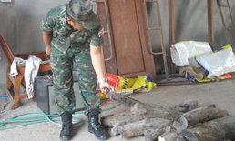 """ทหาร-ตำรวจมุกดาหารบุกโกดังร้างยึด """"ไม้พะยูง"""" เตรียมส่งนอกมูลค่ากว่าครึ่งแสน"""