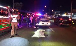 หนุ่มเมียนมาวิ่งข้ามถนน เคราะห์ร้ายถูกรถชนแล้วหนีดับคาที่