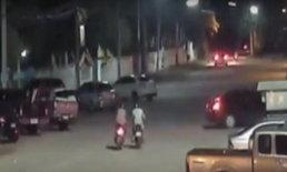 อีกแล้ว! กล้องวงจรปิดจับภาพหัวขโมยเข็นรถจักรยานยนต์หนีหายที่ชัยภูมิ