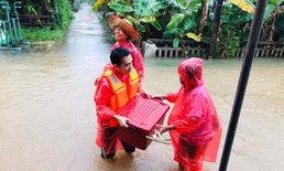 คนไทยไม่ทิ้งกัน ภาพประทับใจช่วยเหลือผู้ประสบภัยพายุโซนร้อน 'โพดุล'