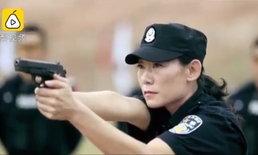 """ครูสาวจีนโชว์ """"ยิงกระสุนตอกตะปู"""" แม่นเหมือนจับวาง"""