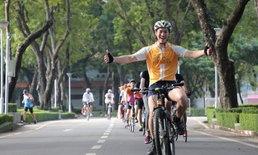 """""""ธนาธร"""" นำปั่นจักรยานสร้างอนาคตใหม่ทั่วไทย 7,300 กม."""