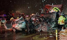 รถพ่วงเบรกแตกชนวินาศ 31 คัน คาด่านเก็บเงินหลานโจว สังเวย 15 ศพ