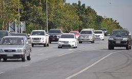 เวลคัมแบ็ก! ผู้คนทยอยกลับเข้ากรุง ถนนมิตรภาพรถแน่นติดยาวกว่า 10 กม.