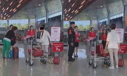 """ป้าเกรี้ยวกราด! โวยลั่นสนามบินหลังโดนปฏิเสธกระเป๋าน้ำหนักเกิน ลั่น """"คนไทยด้วยกันแท้ๆ"""""""