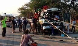 รถเทรลเลอร์หลับในชนพ่วง 18 ล้อ ถูกอัดก๊อปปี้รอดตายปาฏิหาริย์!
