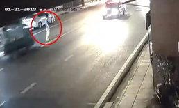 ลุงโชเฟอร์สองแถวถนนเอกชัยมอบตัวตำรวจ อ้างไม่รู้ว่าขับรถเฉี่ยวชนคน