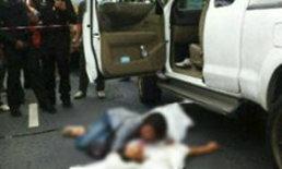 เขม่นในผับ! ขี่บิ๊กไบค์ประกบยิงกระบะถนนรัชดาฯ