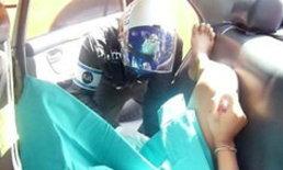 สาวท้องแก่คลอดบนรถแท็กซี่ย่านถ.สุโขทัย