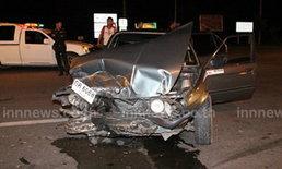 สาวซิ่งบีเอ็มชนรถส่งหนังสือพิมพ์ รับไม่มีใบขับขี่