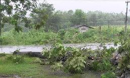 พายุถล่มหัวหินไฟดับทั้งเมือง-สามร้อยยอดบ้านพัง11หลัง