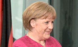 นายกหญิงเยอรมันเล่นสกีที่สวิตฯล้มกระดูกหัก