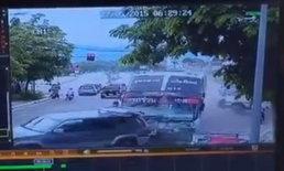 เปิดภาพระทึก รถทัวร์เบรกแตก พุ่งเข้าบ้านที่ลำปาง