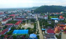 น้ำท่วมเพชรบุรียังวิกฤติ 2 อำเภอ ระดับเพิ่มขึ้นต่อเนื่อง