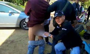 หนุ่มค้ายาจวนตัว ซุกยาบ้า 203 เม็ดในรูทวาร ลุกลี้ลุกลนจนถูกจับ