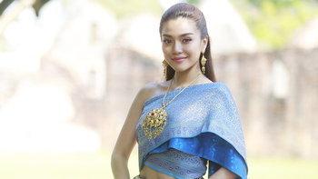 """""""ปราง กัญญ์ณรัณ"""" หน้าหวานจับใจ ขึ้นแท่นสาวแต่งชุดไทยสวยที่สุดในเวลานี้"""