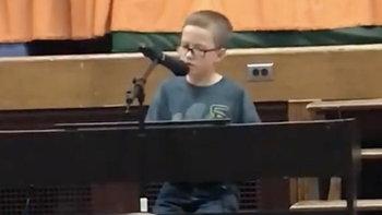 เสน่ห์เสียงเด็ก ป.4 โชว์เพลง Imagine ที่โรงเรียน ดังระเบิดทะลุ 12 ล้านวิว